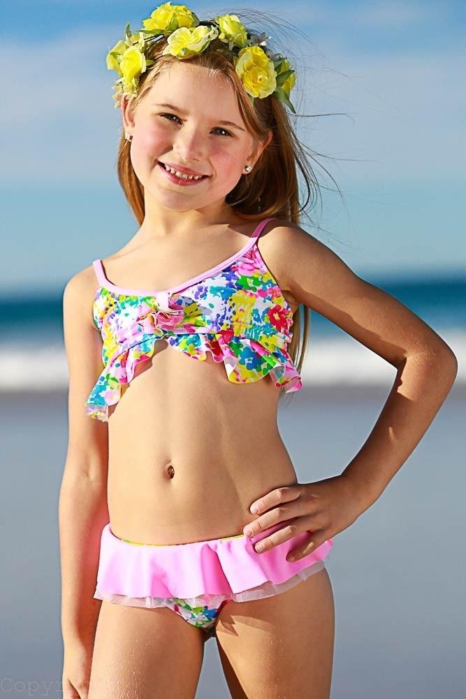 Bikini girls bikini